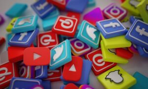create a Professional and more effective Social Media Posts